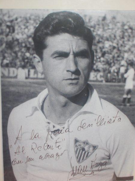 Juan Arza. Foto dedicada a la P.S. Al Relente